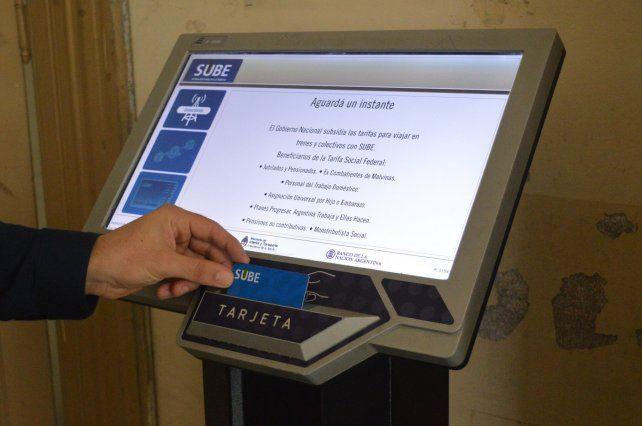 La Facultad de Ciencias Económicas en Paraná ya cuenta con una terminal automática de tarjeta SUBE