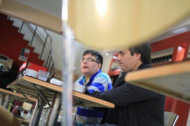 Pérez y Sbárbaro explican como se desarrollan los programas informáticos que usamos en la vida diaria.