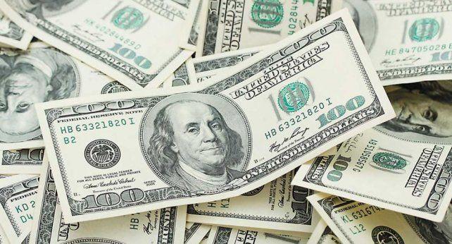 El dólar llegó a $ 30,68 y es récord