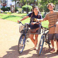 De visita. En la capital entrerriana hicieron una parada para reponer energías.