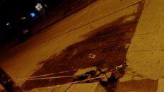 Hace 20 años que se viene rompiendo la calle frente mi casa, pero ahora además de un bache del otro paño se rajó y levantó un diente en la calle Facundo Quiroga antes de Chacho Peñaloza. Es la que divide Paraná XIV y barrio Vairetti, a esto hay que sumarle que no tenemos barrendero.