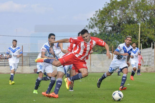Encuentro del 2017 en el Pedro Mutio donde Atlético Paraná le ganó 2 a 1 a Sportivo Urquiza. Foto UNO Mateo Oviedo