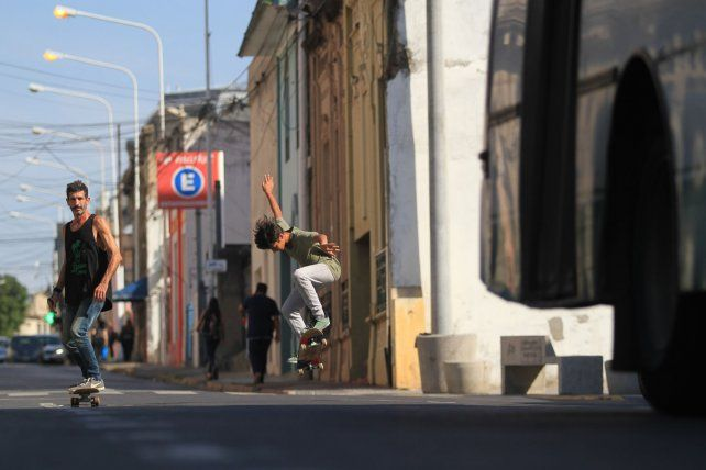 Rodo y Simón en la calle.FotoUNOJuan Ignacio Pereira.