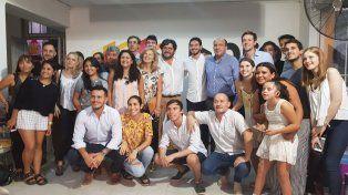 El funcionario nacional posa para la foto junto a integrantes del PRO Paraná