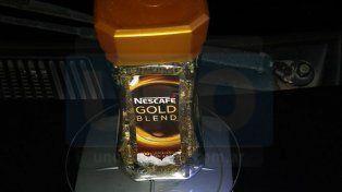 Transaron 500 gramos de marihuana en dos frascos de café