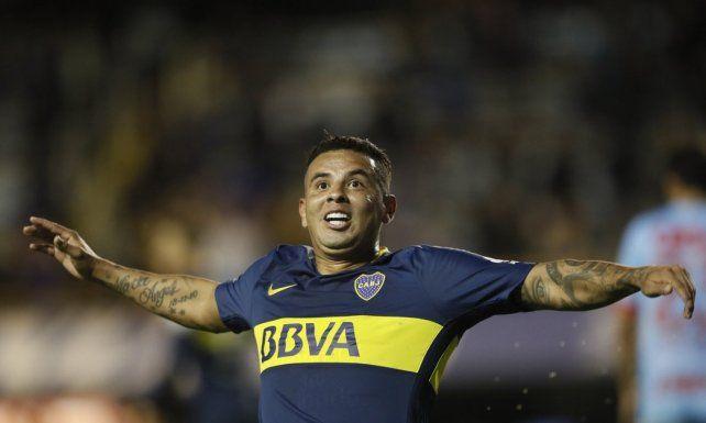 Recuperado. El colombiano Cardona dejó atrás un desgarro y reemplazará a Tévez en el conjunto Auriazul.
