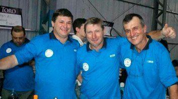 El trio entrerriano, feliz por haberse llevado el campeonato.