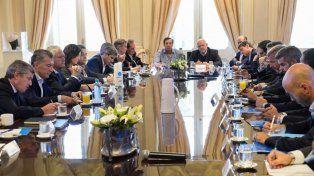 Macri encabezó una reunión de gabinete y bajó un mensaje sobre el dólar y las tarifas