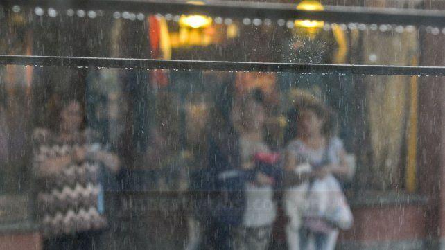 Nuevo alerta a corto plazo por lluvias intensas con ráfagas
