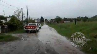 Calle intransitableVecinos de la zona de calles Miguel David y José Arévalo pedimos que algún funcionario municipal de la ciudad de Paraná se acerque a la zona para observar los inconvenientes del barrio en los días de lluvia. Sin asfalto