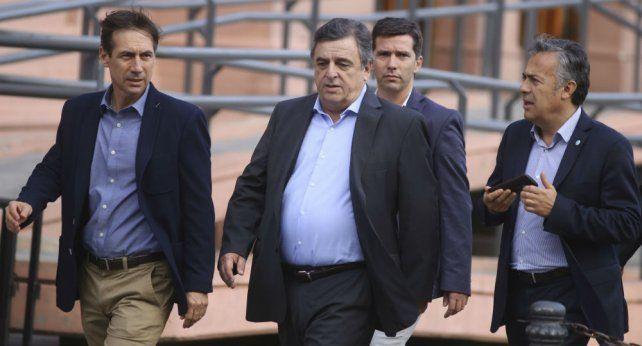 Cornejo. El gobernador mendocino se convirtió en un vocero del oficialismo a favor del tarifazo.