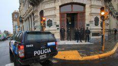 video | parana: allanaron el municipio y la casa del intendente