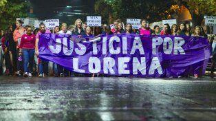 Movilizados. Pese a la lluvia, muchos se concentraron pidiendo justicia.