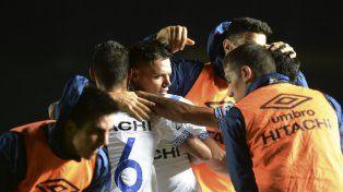 Vélez prolongó su buen momento al derrotar a Colón
