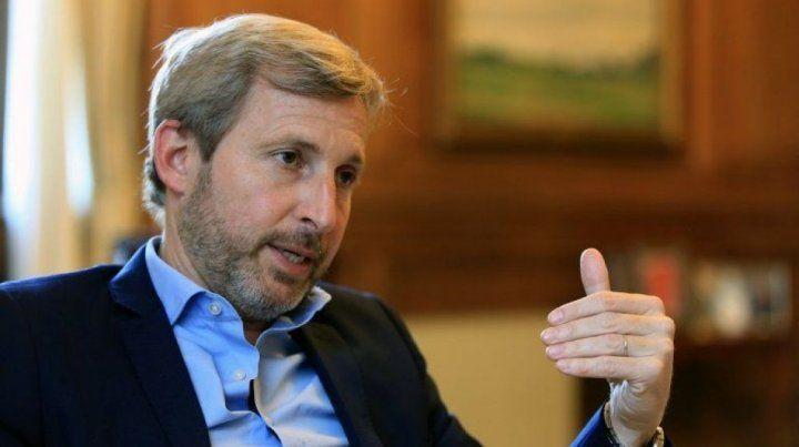 Negociación. El ministro busca consensuar con la oposición cómo pagar la compensación.