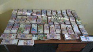 En un control de rutina secuestraron un auto que llevaba más de 450 mil pesos