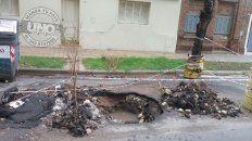 Más de lo mismo, llamás y nadie te atiende, además después una eternidad para solucionarte el problema. Alguien que arregle este inconveniente en calle Feliciano de Paraná. Un vecino.