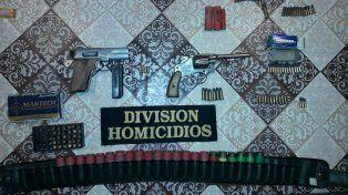 Secuestran armas y cartuchos en Anacleto Medina