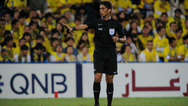 Escándalo con un árbitro mundialista