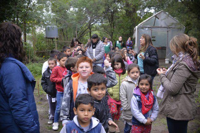 Recorrida. Chicos de distintas edades aprendieron más sobre cómo cuidar la naturaleza.