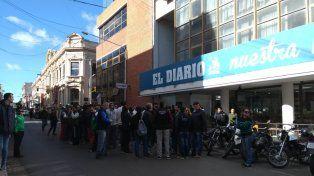Movilización y olla popular por los despidos en El Diario de Paraná