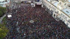 El pueblo fue a disfrutar de la cumbia con arreglos de orquesta.