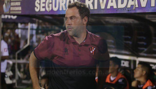 Juan Pablo Pumpido seguirá siendo el entrenador de Patronato