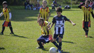Mejor pasatiempo. Hacer deportes redunda en un buen crecimiento de los chicos.