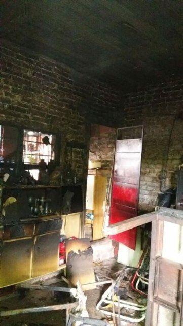 Piden colaboración para una señora que perdió todo por un incendio en Paraná