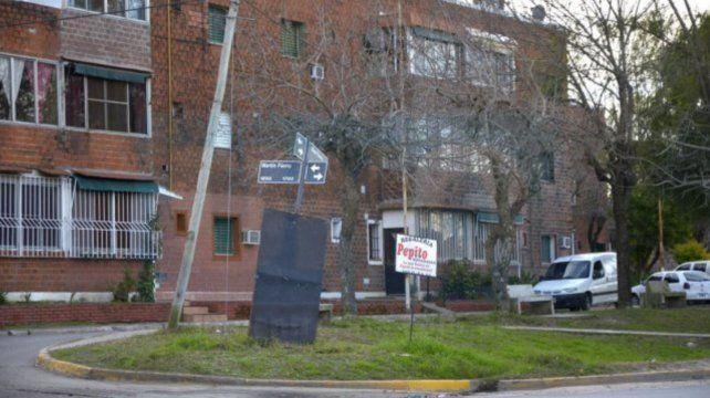 Caída fatal. La muchacha murió en el Barrio José Hernández. Foto Ilustrativa.
