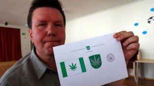 Una ciudad cambió su bandera por el símbolo de la marihuana