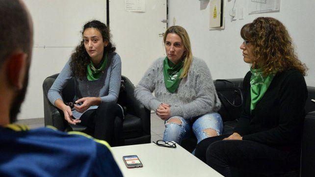 Nadia, Fernanda y Lucy explicaron detalles de la situación.