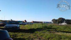 Entre los yuyosEn los alrededores de la Plaza Mujeres Entrerrianas está todo abandonado. La Municipalidad de Paraná debe intimar a los dueños de esos lotes para que los mantengan limpios. El lugar es precioso para descansar o realizar actividades recreativas, pero el yuyal tira abajo todo. Una lástima.