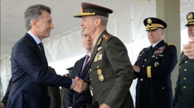 Macri dijo que las Fuerzas Armadas deben dar apoyo logístico a las fuerzas de seguridad