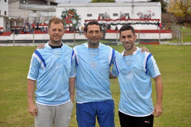 El cuerpo técnico del selectivo de la LPF: Diego Jacob, entrenador de arqueros; Marcelo Díaz, director técnico y Aarón Cointry, preparador físico. Foto <b>UNO </b>Mateo Oviedo