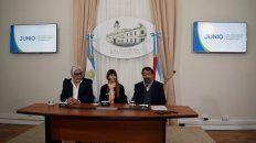 Mario Imaz,Sonia Velázquez y Mario Elizalde presentando el el programa en la Casa de Gobierno.