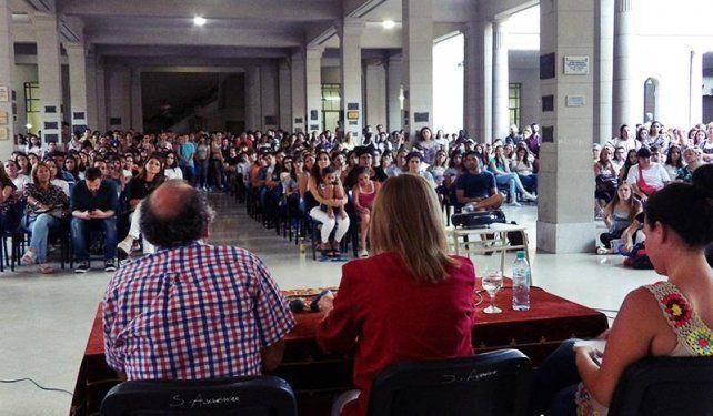 Docentes universitarios entrerrianos analizan estrategias en defensa de la universidad pública