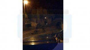 Paraná: Amedrentaba a sus vecinos con un arma, fue detenido y le incendiaron su casa