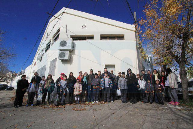 Abrazaron la escuela de Vialidad en apoyo a ex funcionarios que la crearon y están siendo juzgados