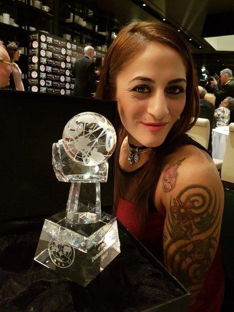 Débora Dionicius fue elegida como la Mejor Boxeadora del Año de la FIB
