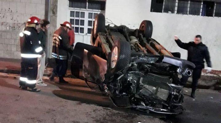 Robó la camioneta de sus padres e hizo un desastre en pleno centro