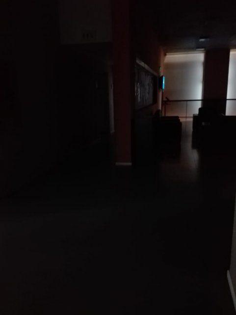 El ajuste llegó a la universidad privada: no dejan usar el ascensor a estudiantes