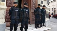 mientras varisco declaraba en la causa por narcotrafico, la policia federal allanaba dependencias municipales