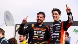 Los dos en el podio. Josito Di Palma y Damián Markel celebran el doble triunfo en una fecha inolvidable en el trazado de La Plata.