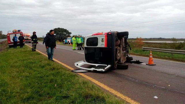 Tres concordiences fueron internados tras un vuelco en la Ruta Nacional Nº 12