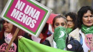 Multitud verde en plaza de Mayo