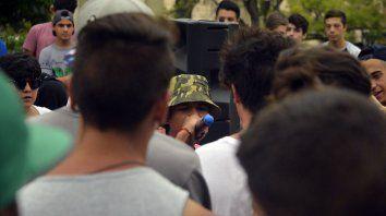 Batalla de Gallos por una causa benéfica en la plaza 1° de Mayo. 21/02/2017.