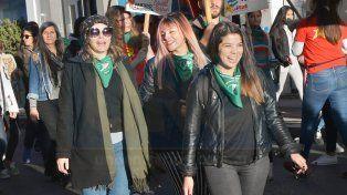 Histórico debate de la ley de aborto legal, seguro y gratuito: Así partía el contingente de Paraná hacia el Congreso