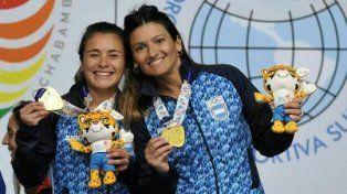 Con la presea. Con su compañera Lis Gardía vencieron a la dupla Mariangel Maneiro Riva y Sofía Vicente Gutiérrez.