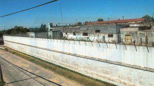 151 es la cantidad de internos que tenía el penal Clemente XI el jueves, cuando se produjo el ataque.